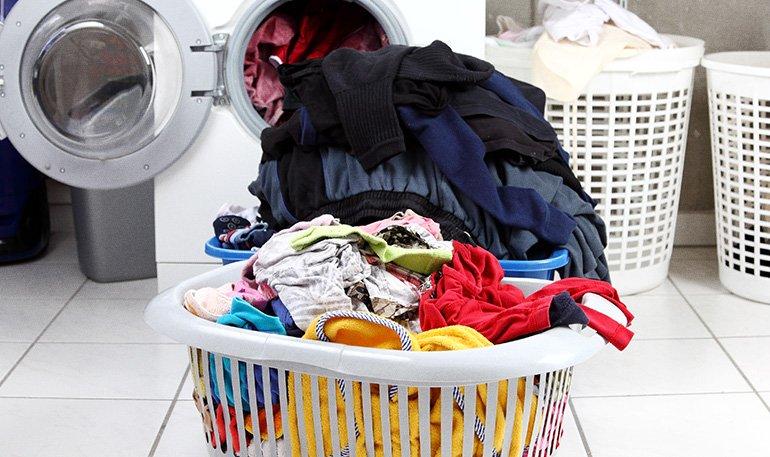 Como higienizar as roupas durante a pandemia